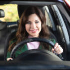 6 Ways To Avoid Being Distracted While Driving